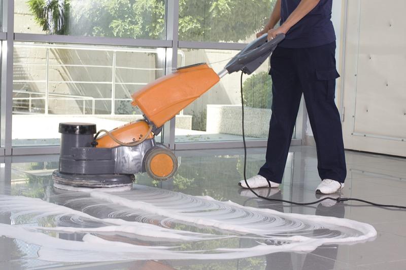 Descobrir as vantagens da Limpeza Automática de Pavimentos